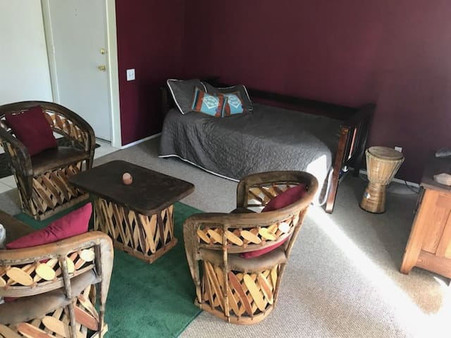 Daybed Close to All in Shared Condo