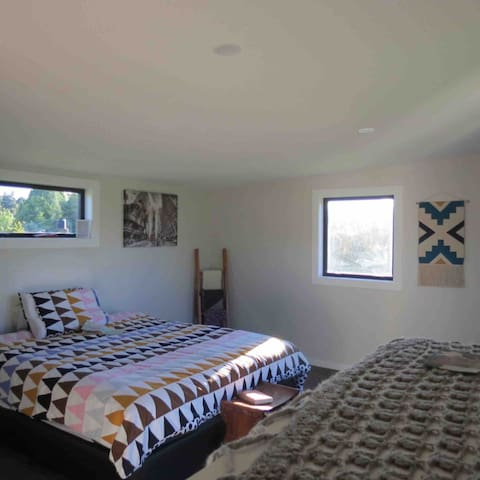 King Room 15 Minutes from Wanaka