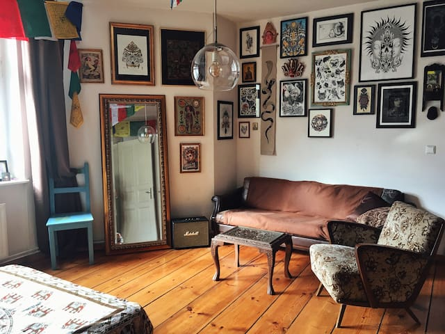 Artistic apartment in the heart of Berlin