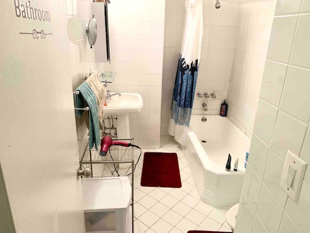 Very spacious bathroom Hairdryer and other essentials included. Please use my Soaps + Shampoos!