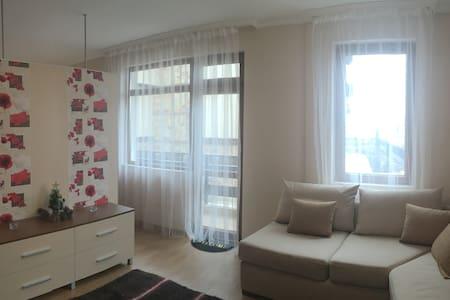 Poppy Studio- centrally located elegant apartment