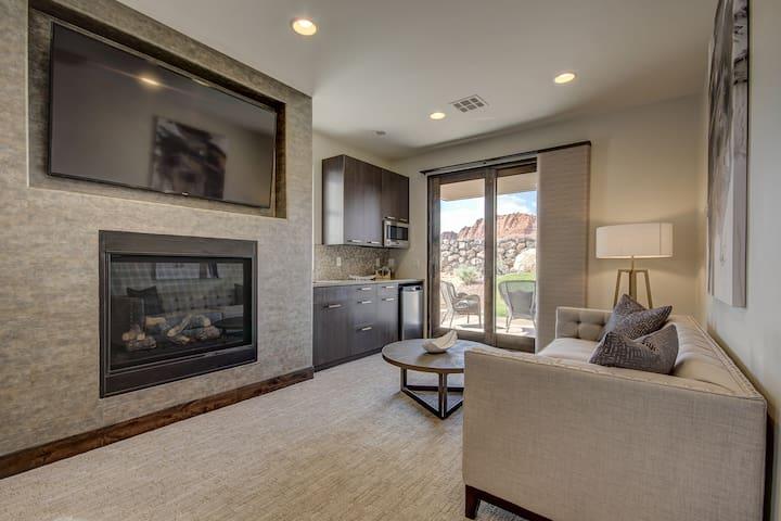 Luxury Retreat Private Entrance near Snow Canyon