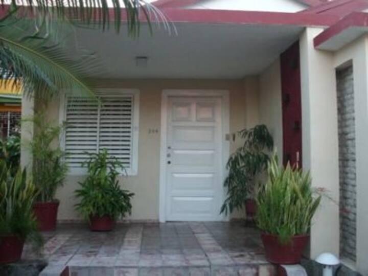 Casa Rosa Room 2 (Santiago de Cuba)