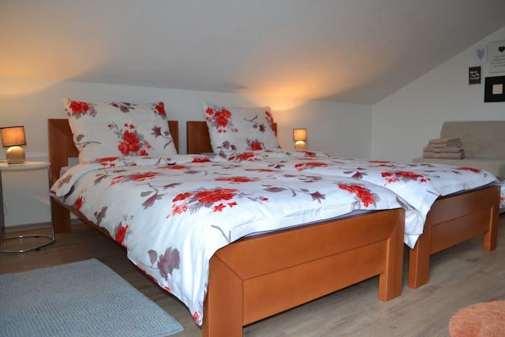 Room Mirela ***
