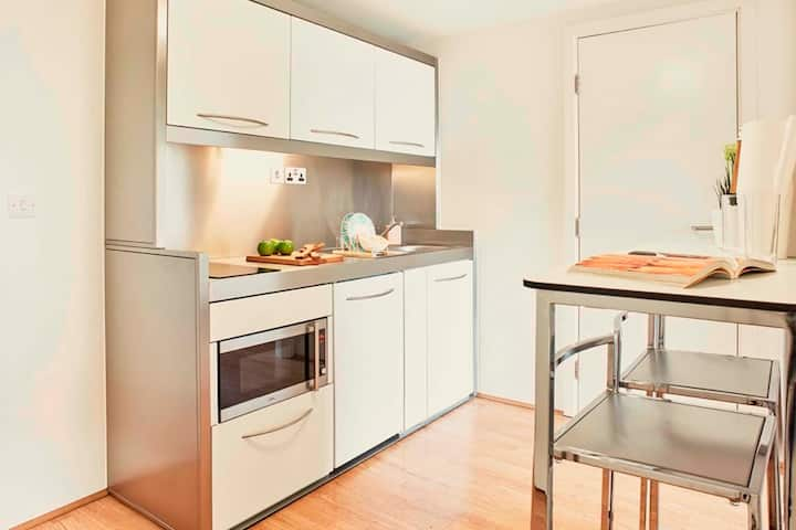2 Bedroom Apartment near Notting Hill