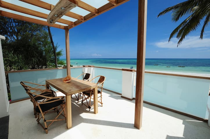 "Junior Suite Apartment "" Mbili "" Ocean Front View - Zanzibar Town - Byt"