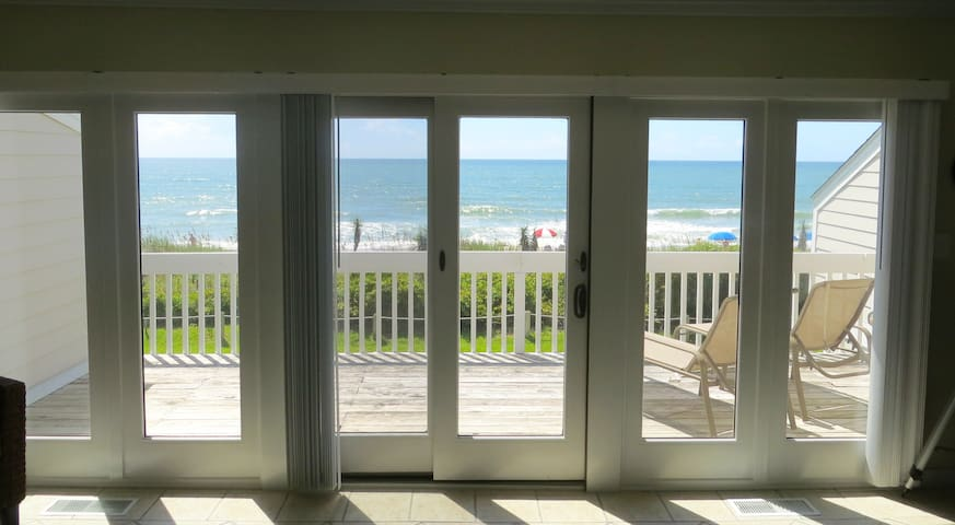 Oceanfront Townhouse- Amazing View, Pool & More! - Pine Knoll Shores - Townhouse
