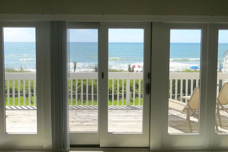 Oceanfront Townhouse- Amazing View, Pool & More!