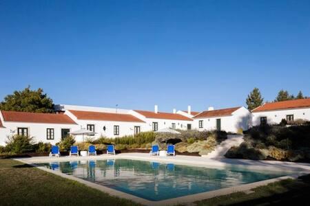 Casas de São José - Authentic Luxury - 2+1 persons