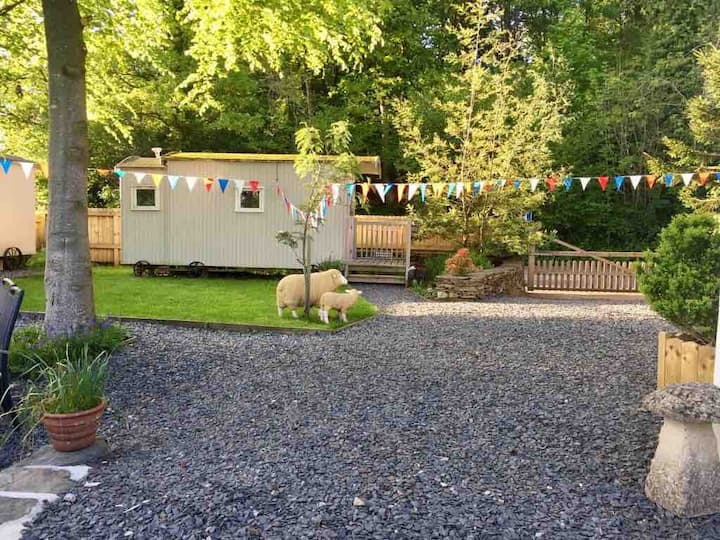 Woodman's Huts - sleeps 2