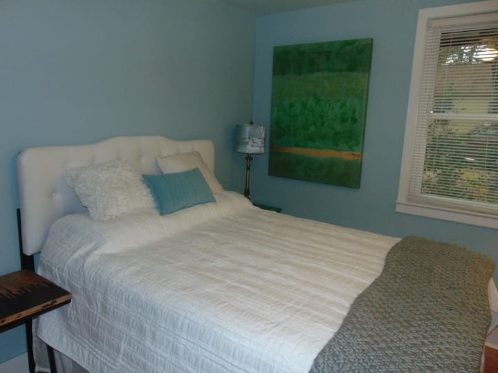 Cozy Park Circle, Charleston Guest House