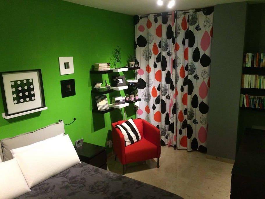 Stanza privata con letto matrimoniale/ Private room with double bed