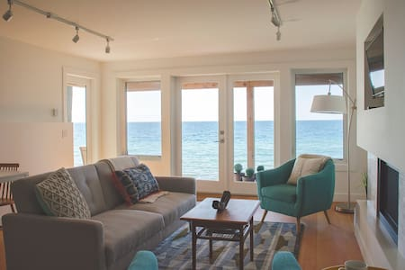 Shoreline Suite; a perfect waterfront getaway - Sechelt