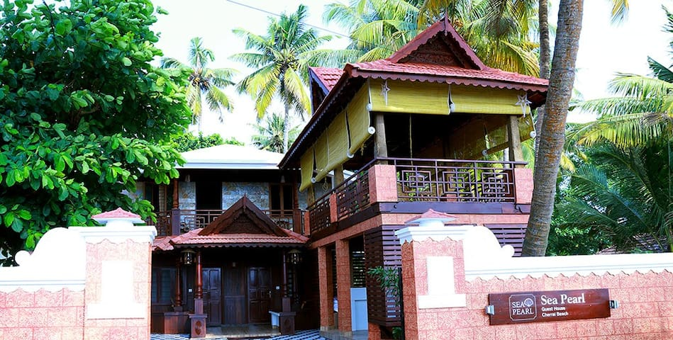 Modern Two Bedroom accommodation near Cherai Beach - Ernakulam - Gæstehus