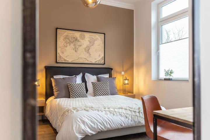 Cozy private bedroom @ MF1 Emden (1)