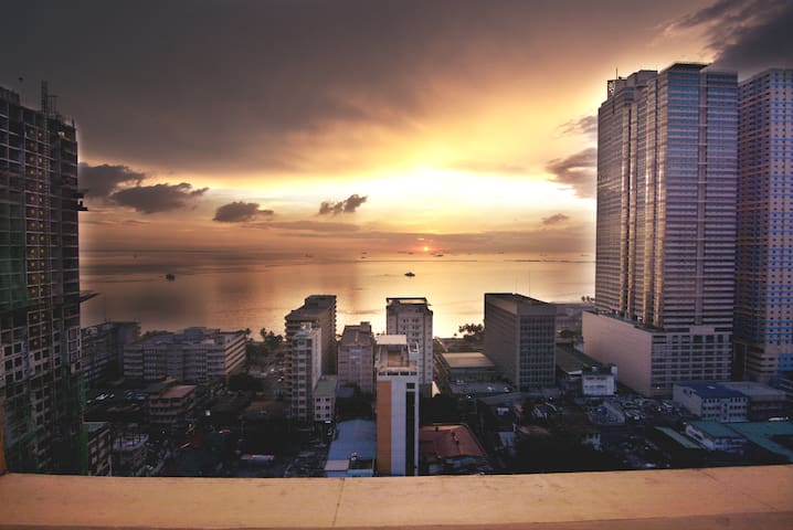 AGRPH01 56sqm/602sqft Penthouse with Sunset View!
