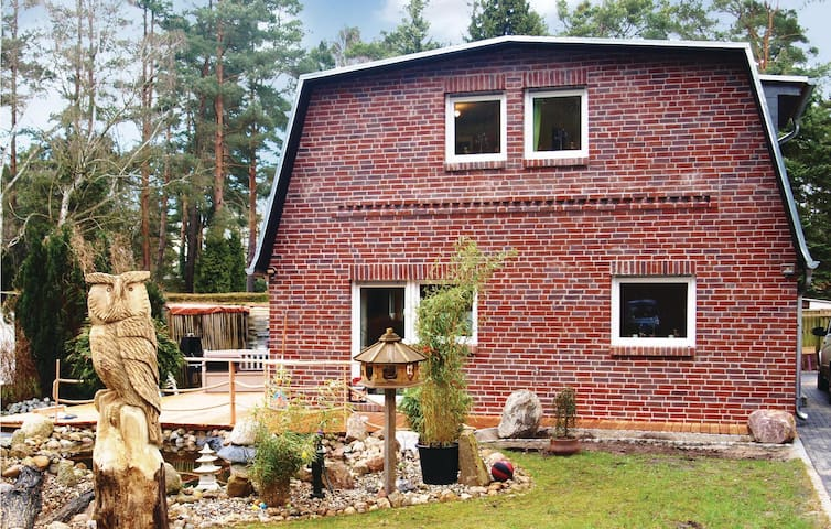 Holiday cottage with 4 bedrooms on 110 m² in Berlin