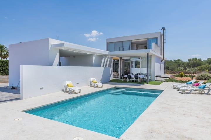 Villa Santa Catalina - Family Only