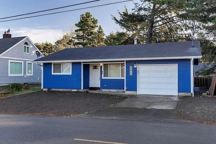 Experience this remodeled two-bedroom home in the heart of Lincoln City!