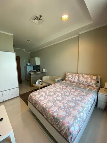 Modern furnished studio apartment in Shaab