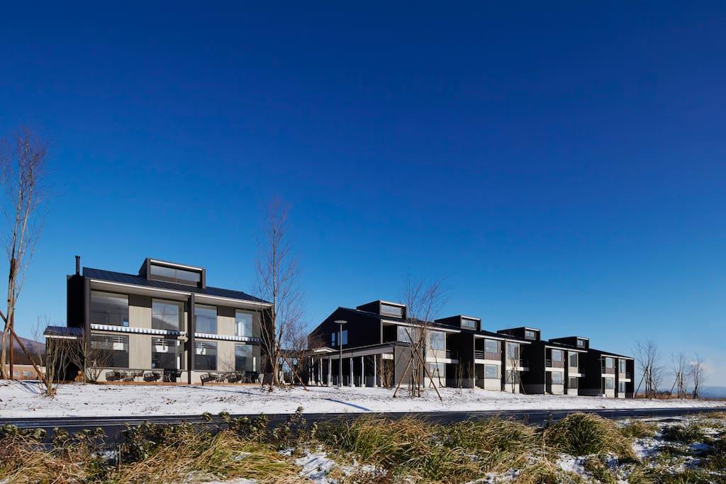 お部屋は総戸数32戸の集合住宅の中にあります。