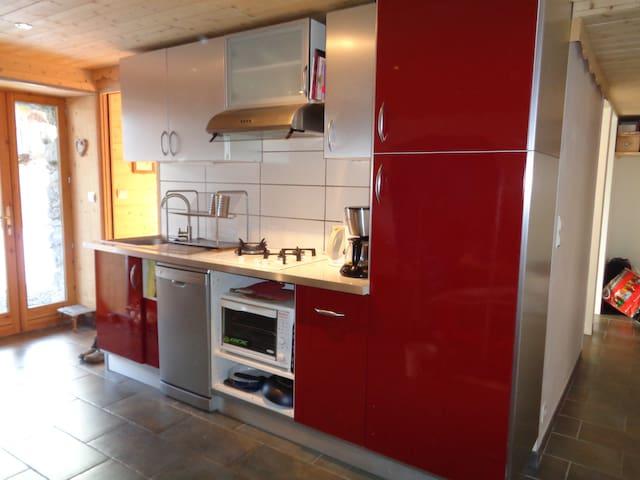 Appartement dans vieux chalet - Saint-Sorlin-d'Arves - Departamento