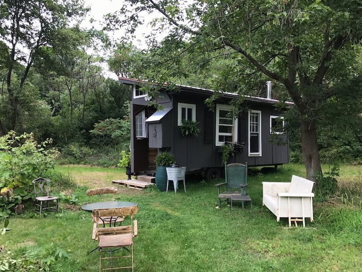 Peaceful Getaway 🌱 Off Grid Wanderers Tiny House