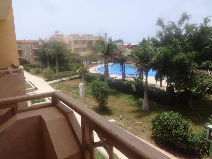 Tropical 2 bed apartment  - Tropical Apartment E 1/2