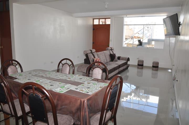Amplio y cómodo departamento con moderno diseño.