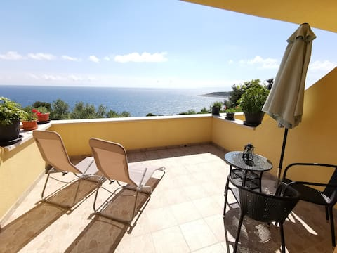 BREATHTAKING Panoramic Sea View, Private Room -2