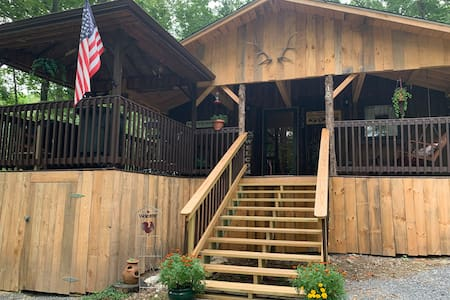 Scenic 1 BR Cabin w/ Hiking to Hensley Settlement