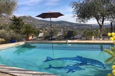 Villa au calme avec vue panoramique - Spéracèdes