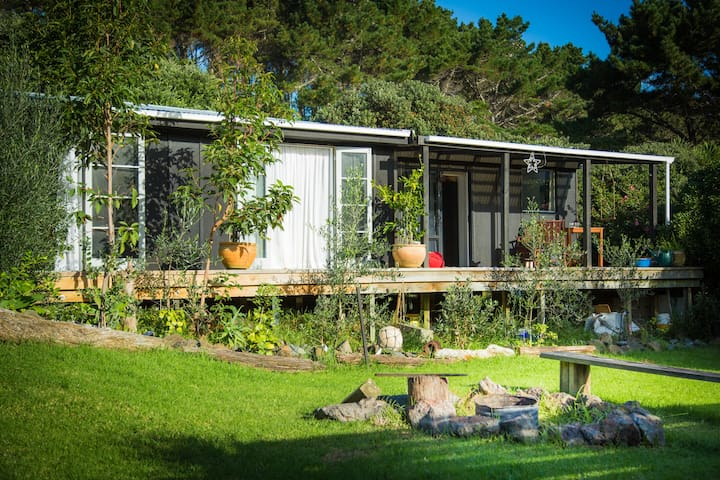 Bethells Beach Hut - Bethells Beach - Bungalow