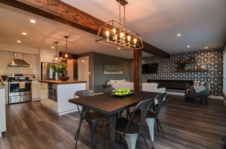 Modern/Industrial Ocean View Suite! - Campbell River - Casa
