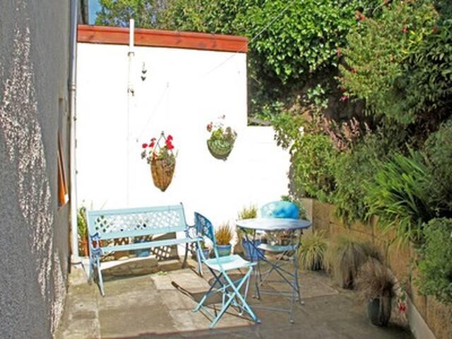 Enclosed court yard garden