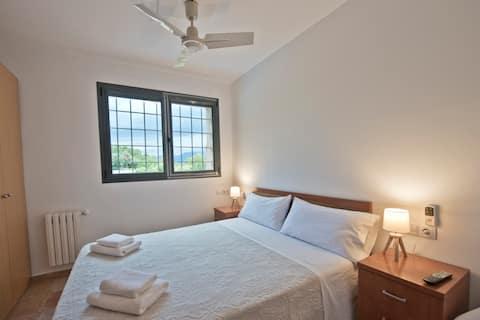 L'Albera-Habitación basica con cama de matrimonio