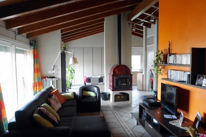 Appartamento luminoso adiacenze centro - Modena - Apartamento