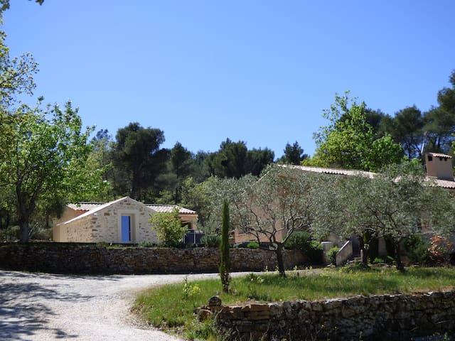 Chambre privée La Tuilière, vue Sainte Victoire - Trets