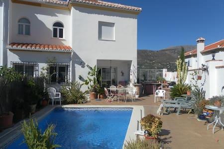 Large Villa in White Spanish Villag - Alcaucín