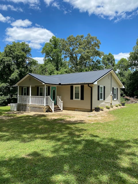 Gorgeous Country Cottage mins from Norris Lake