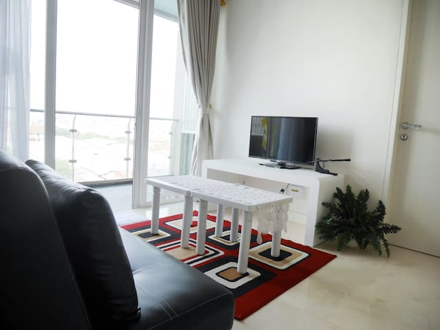 2BR Apt in City Center (Landmark Res, 23 paskal)