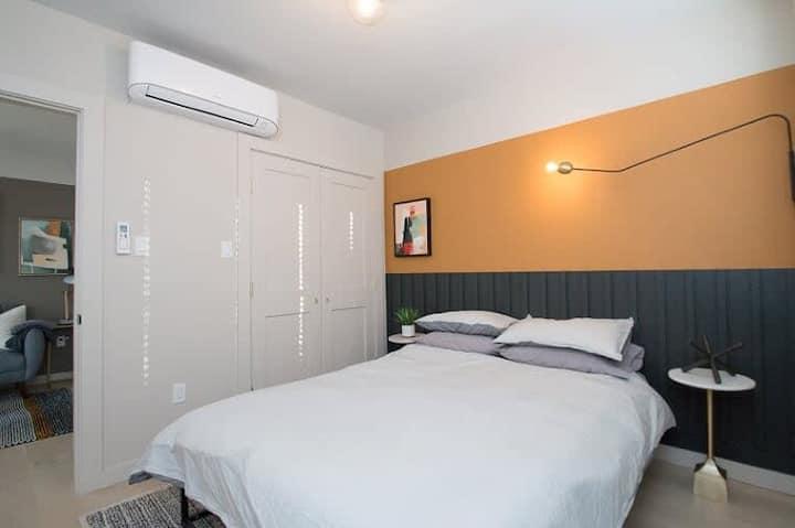 Chic Designer Apartment - Downtown - Sleeps 3 - #4