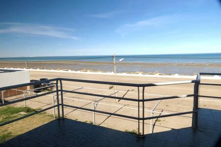 Las Grutas Frente al Mar - Costa Soleada - 05