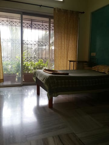 Quiet, airy room in Santa Cruz ( E ) - Bombai - Pis