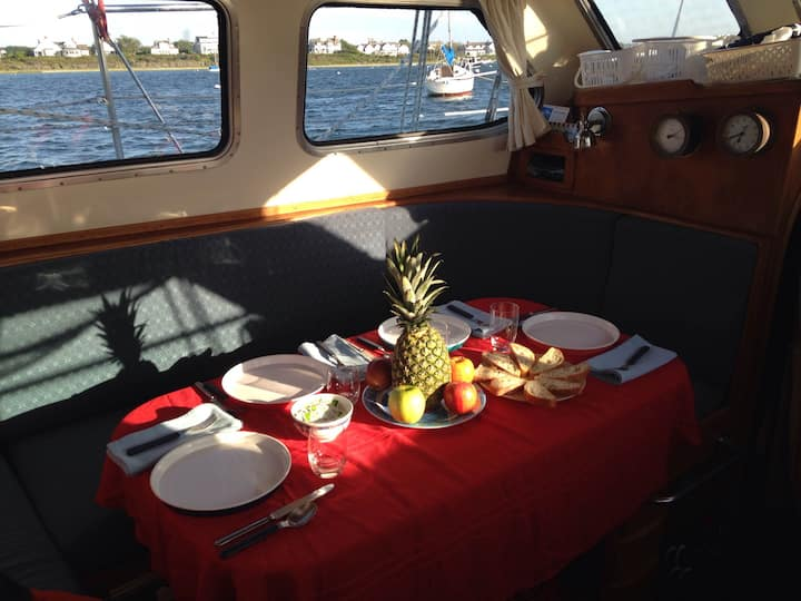 Private Staterooms on a yacht! Great for up to 4!