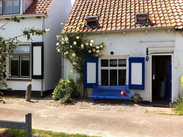 Huisje aan de Oosterschelde - Burgh-Haamstede