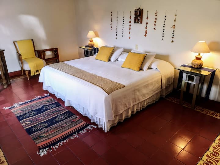 Room in El Diablo y La Sandia Libres