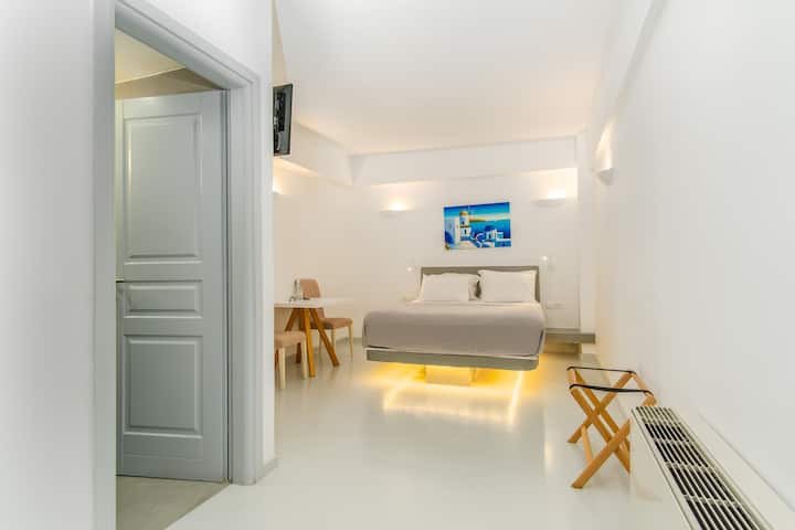 Central Fira | Standard Double Room