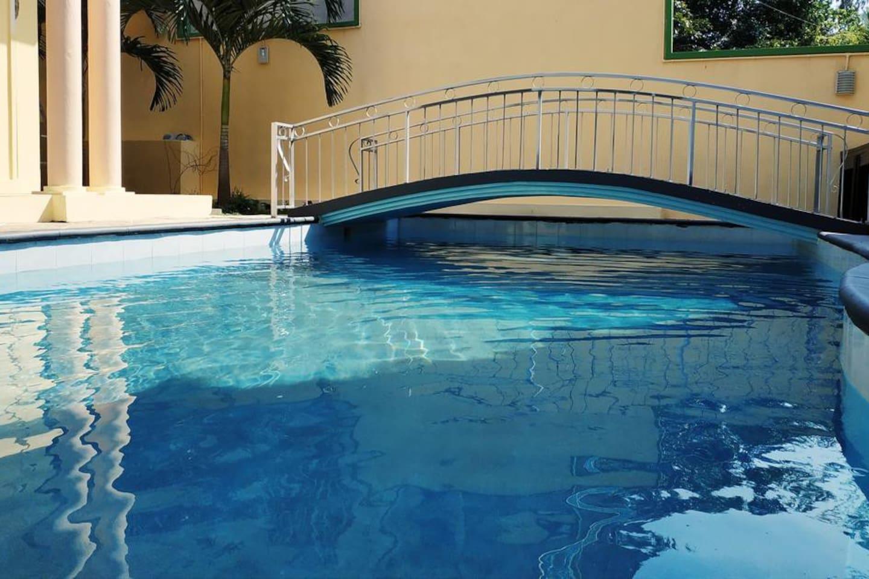 La piscine vous attend.