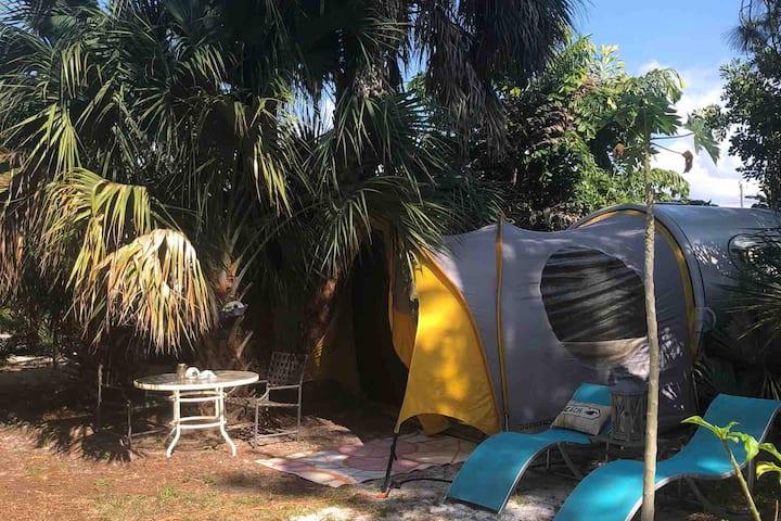 Teardrop Camper w/lanai in Bonita Spr near BEACH!